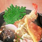 旬味和膳 季乃庄 - 天ぷらそば 900円
