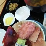 59013767 - マグロ三昧丼  1200円