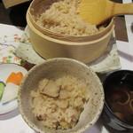 ラグジュアリー和ホテル風の薫 - 夕食・・・松茸ご飯・赤ダシ