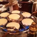 カフェ・オーリンズ - クレープ焼いてるところ
