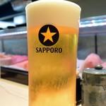 すしの助 - ビールは私の好きなサッポロでした♪
