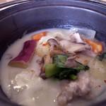 マドカフェ - ランチプレートの チキンとキノコのシチュー