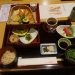 美濃吉 - [料理] 京弁当¥2,160 セット全景♪w (飾り紙を外した状態)