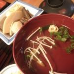 うな泰 - 煮物と肝吸い
