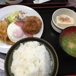 くるくる - 豚ロース生姜焼きハムエッグメンチカツ
