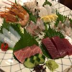 魚筍 - 刺身盛合わせ、牡丹海老、蛸、アオリイカ、鯵、鰹、鮪、