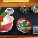 浜めし - 三食丼 \1400