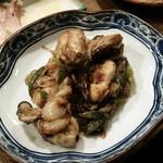 彦バル - 牡蠣と下仁田葱のアンチョビ炒め