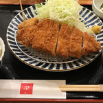 59048627 - ランチのロースカツ定食1000円也。