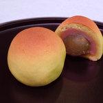 双鶴庵 - 梅甘露煮一粒入り桃山「梅かすみ」