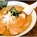 地どりラーメン - 料理写真:地どりラーメン(塩) 700円 鶏の旨味がギュ♪
