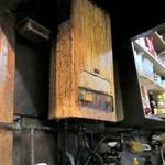 59052827 - 味が染み込んだ湯沸かし器