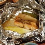 59053527 - 秋鮭とエリンギ バターホイル焼きは上品な味付けでウマー