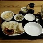 59054299 - 焼き餃子と炒飯セット