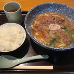 つるっと - 弁慶肉うどん&ライス(小)