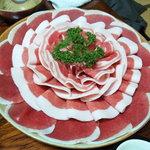 ぼたん鍋 あさみや - 色鮮やかな猪肉