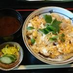 猪口猪口 - 丹波黒鶏の親子丼 890円