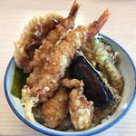 さん天 - 料理写真:牡蠣と海老の天丼690円(税込)+鶏天90円相当
