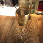 カヤバール - 樽詰スパークリングワイン270円(税込)