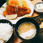 59063616 - ロースカツ定食1200円