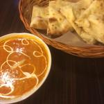 インドカレー ナマステ ポカラ - かぼちゃチーズカレーとクリームチーズナン