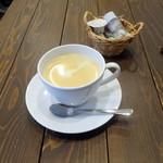 Cafe Anmar - ランチにつくブレンドコーヒー