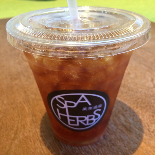 Cafe Belax - アイスティー。 税抜380円。 美味し。