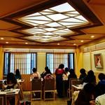 59068506 - 『茶寮 都路里 祇園本店』さんの3階席の様子~♪(^o^)丿