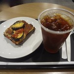 スターバックスコーヒー - ナスとトマトのラザニア(280kcal)、ブラックアイスティ