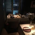 RRR KOBE Beef Steak - 壁側の席からは10Fからの夜景もご覧頂けます