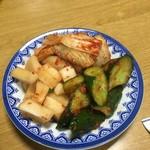 玉貴 - キムチ盛大(白菜・大根・きゅうり)500円