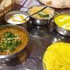 ガザル - 料理写真:左キーマ 右シーフード