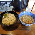 二代目 つけ蔵 - 料理写真:2016年11月13日(日) 濃厚豚骨魚介つけ麺(麺200g)800円