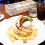 59079182 - 洋梨のパンケーキ/ブラックローズ