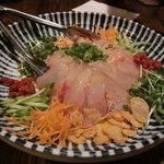 彩菜BAR Q's - 海鮮サラダ