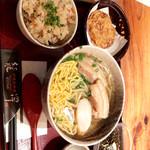 龍潭 - 沖縄そばセット