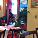 ビストロ・カフェ・ド・パリ - 店内