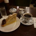 椿屋珈琲 - [料理] ケーキセット Hot珈琲 (ブレンド) & 渋皮モンブラン¥1,450 全景♪w