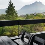 ゆふいん湯めぐりホテル 山光園 - 部屋から見える由布岳です