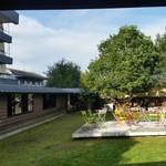 ゆふいん湯めぐりホテル 山光園 - 「ゆふいん湯めぐりホテル 山光園」の中庭の様子