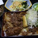 六本木 阿波尾鶏 - 秘伝ダレカルビ重定食 税込950円