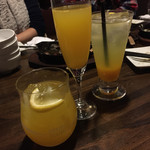 鶏と野菜のワイン食堂 トサカ - 冬グリア、みかんスパークリング、みかんジュース