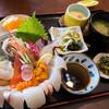 朝日屋 - 料理写真:「海鮮丼」(1,980円)。素晴らしく贅沢なランチ!