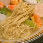 銀座アスター - 独特の麺(自家製麺だそうです)