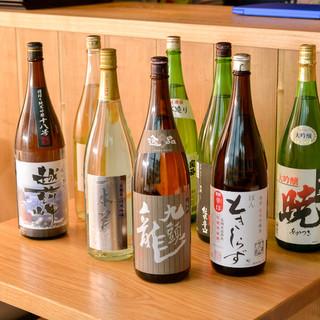季節ごとにセレクトした有名地酒を多数ご用意しております。