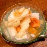 黄さんの家 - フルーツたっぷり黄さん's 杏仁 \550