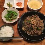 東大門タッカンマリ - プルコギ定食(950円)
