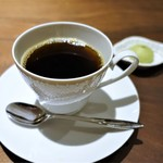 モーネ - 抹茶のメレンゲ、コーヒー