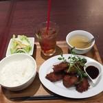 Salt - レバカツランチ890円、サービスのウーロン茶