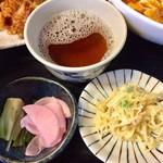 こしじ - H28.11.19 スタミナセット定食「お漬物」「春雨サラダ」「お茶」
